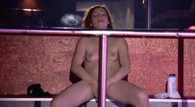 nackt Ashton Joanne Sort by